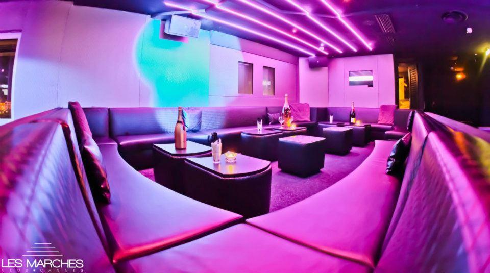 discoteca les marches club cannes francia mazzoli divani di qualit brescia. Black Bedroom Furniture Sets. Home Design Ideas